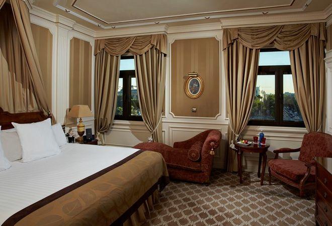 decoracion-escayola-habitacion-hotel-melia-fenix