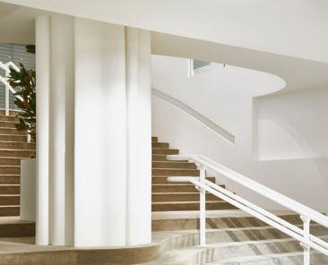 integracion-escaleras-hall-decoracion